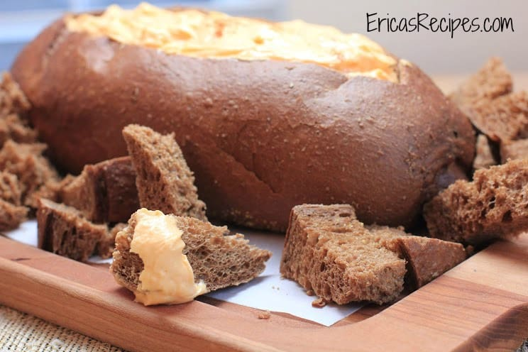 Cheddar Beer Pumpernickel Bread Dip