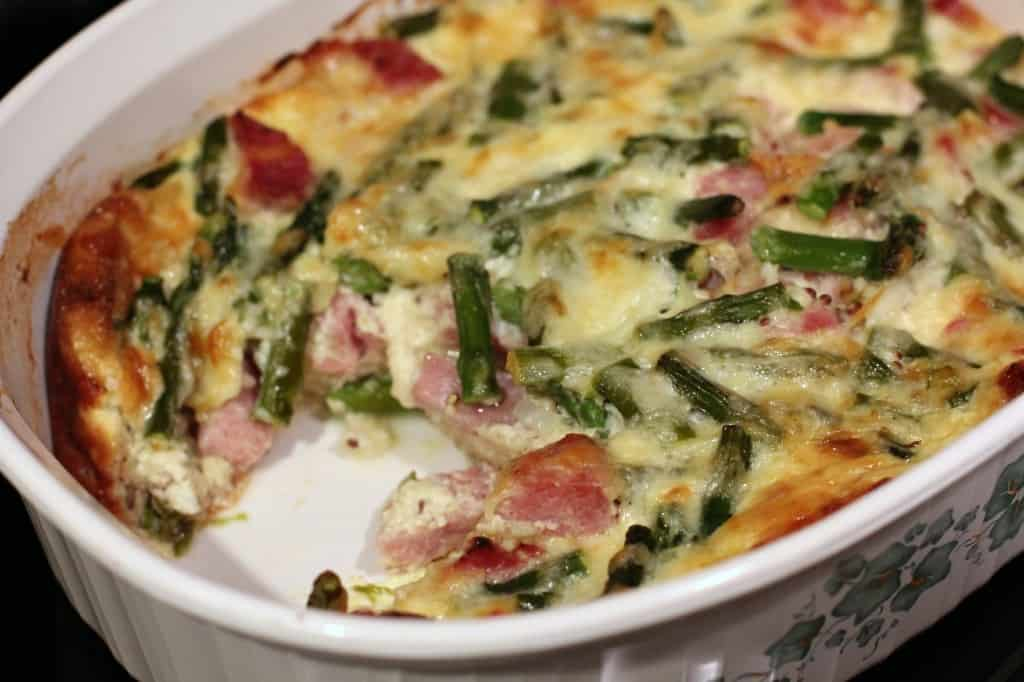 Ham, Asparagus, and White Cheddar Breakfast Strata