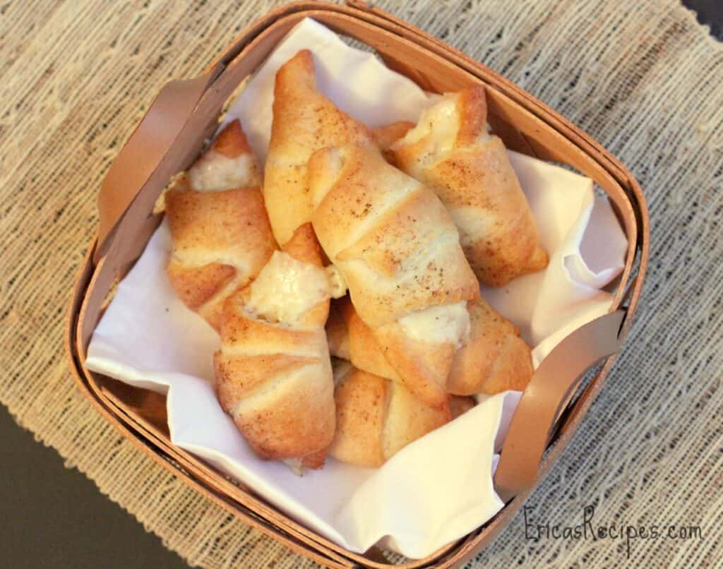 Cheddar Bay Crescents from EricasRecipes