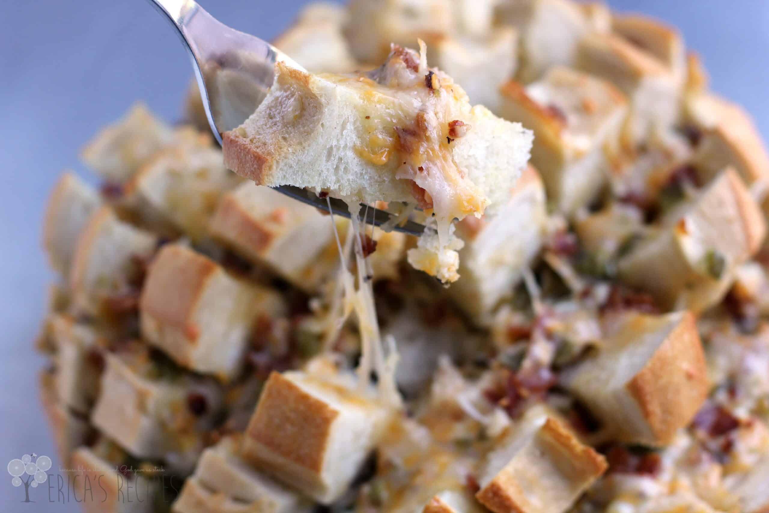 Cheesy Bacon Jalapeno Popper Pull-Apart Bread