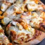 Chicken Gyro Pizza. Mediterranean toppings make for a deliciously inspired pizza. http://wp.me/p4qC4h-2Iw