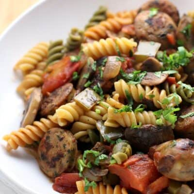 Healthy, Weeknight Sausage and Pepper Pasta from EricasRecipes.com