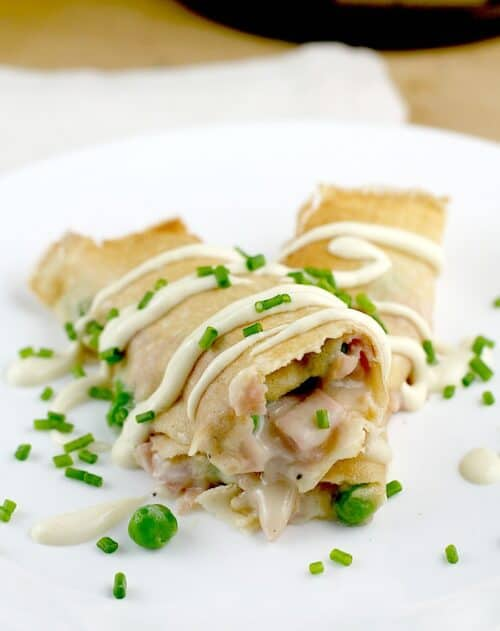 Ham, peas and cheese crepes