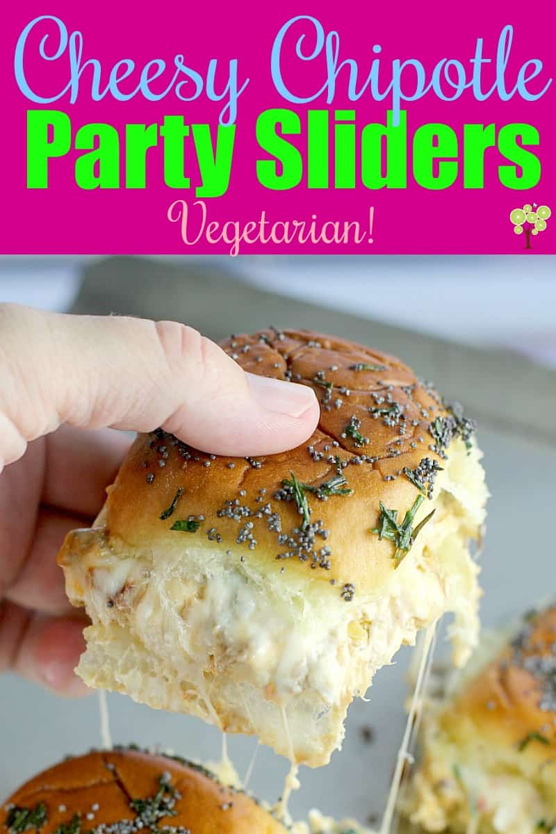Cheesy Chipotle Party Sliders {Vegetarian} #VeryVeggieHoliday #ad